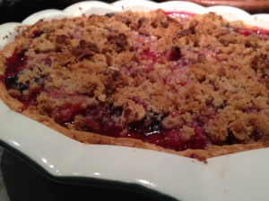 Mixed Summer Berry Pie (with a crumble topping)