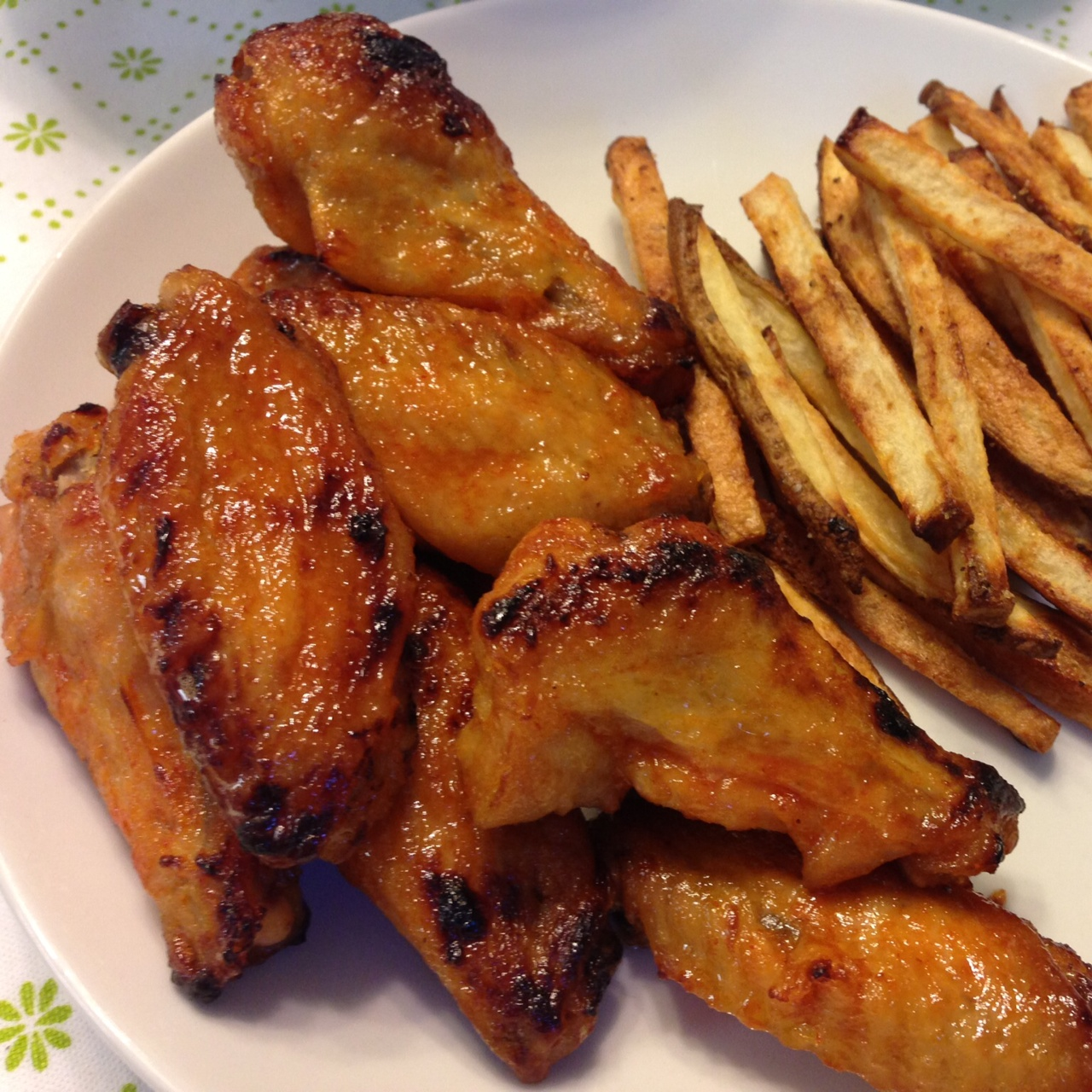 honey sriracha chicken wings makes about 3 4 dozen wings